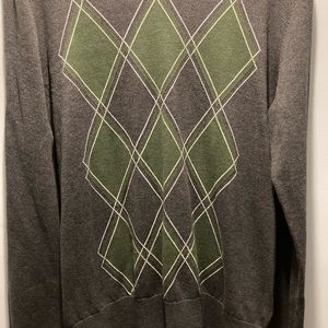 Tommy Hilfiger gray and green argyle sweater size large